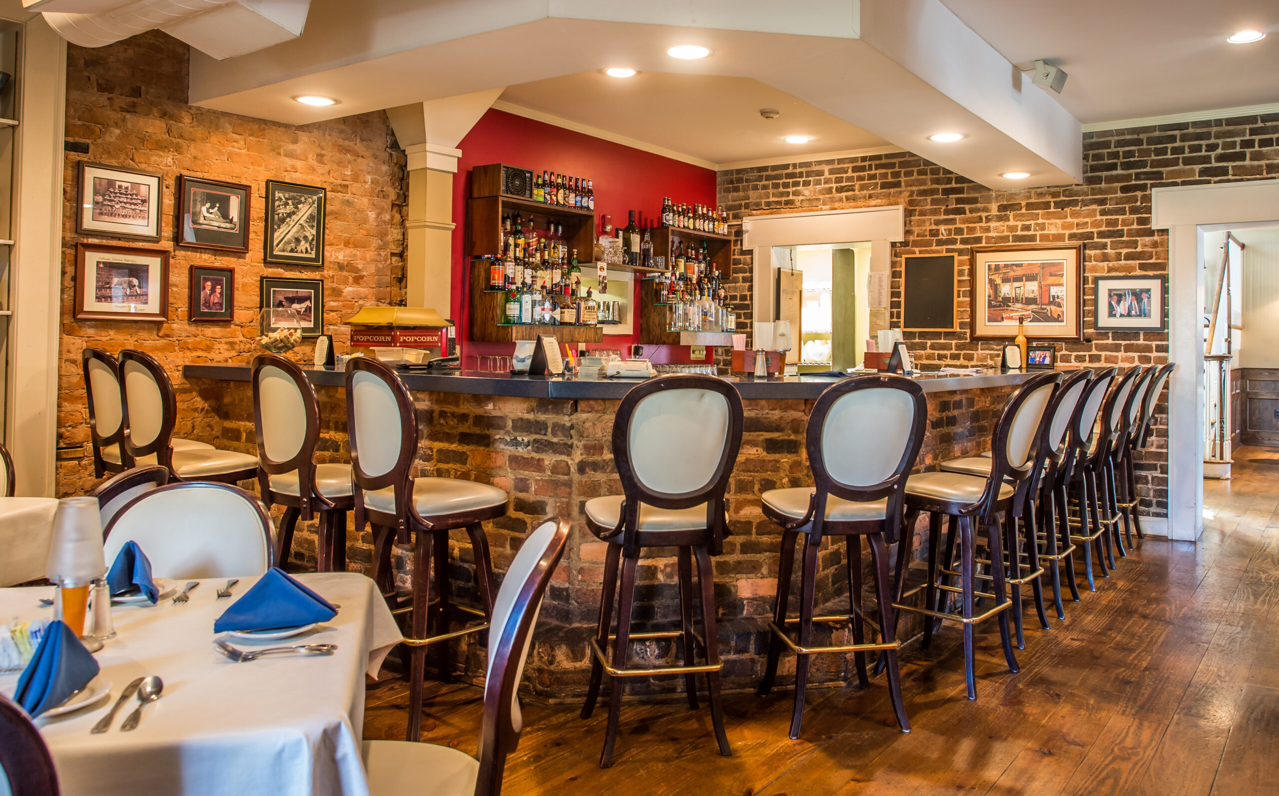 Calhoun Corners Bar